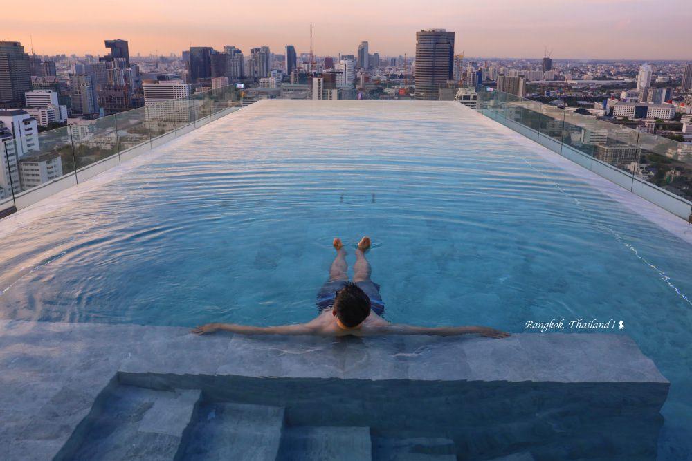 漂浮高空的無邊際泳池,24 小時開放瞰曼谷