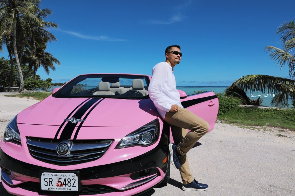 開粉紅敞篷車玩關島,上山下海連夜晚都超精彩!