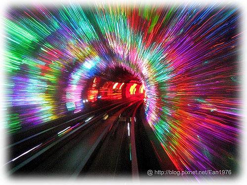 中國首發團之奧運上海行 – 目眩神迷的外灘觀光隧道