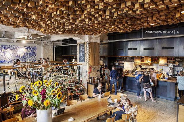 兩萬分之一的全球最美星巴克,阿姆斯特丹 The Bank 環保門市