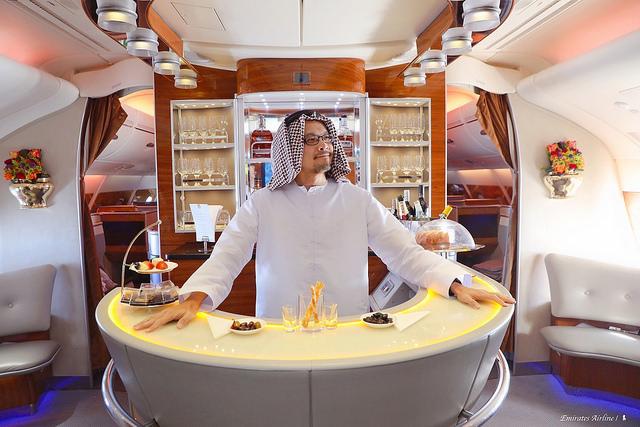 阿聯酋 A380 初體驗,一場雙 B 轎車免費接送的華麗高空派對