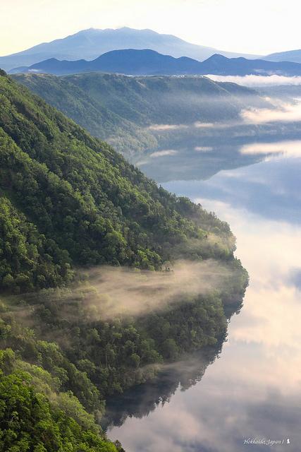 天空之城拉普達現身北海道  摩周湖有神景快拜!