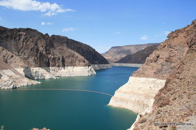 [2010 大美旅] 75歲、43度與名列世界7大人工奇景的胡佛水壩 @內華達州 X 亞利桑那州