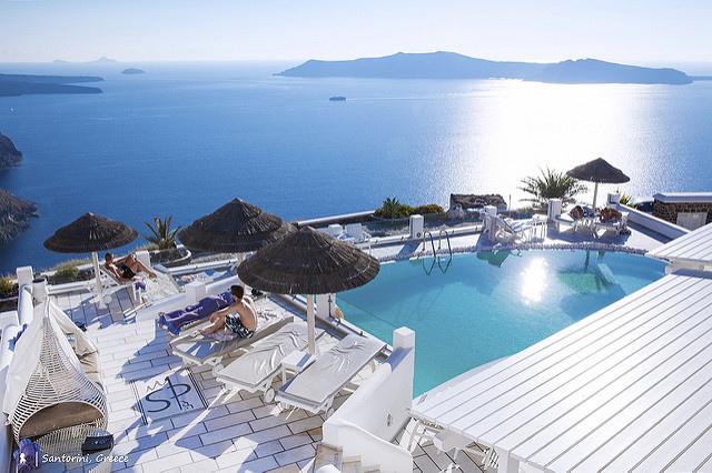 懸崖上的天堂,俯瞰愛琴海日落朝陽的聖托里尼公主飯店(Santorini Princess Spa Hotel)