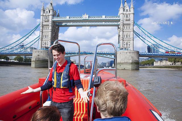 搭上泰晤士火箭(Thames Rockets)從河面搖滾看倫敦